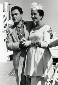 A pregnant Elizabeth Taylor with husband Mike Todd