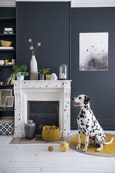 Une cheminée repeinte avec des taches - Marie Claire Idées