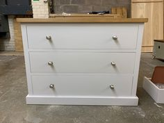 This gorgeous painted chest of drawers is painted in Cornforth White and features and Oak top. Pine Furniture, Solid Wood Furniture, Modern Rustic Interiors, Modern Interior Design, Rustic Style, Rustic Decor, Cornforth White, Pine Chests, Painted Chest