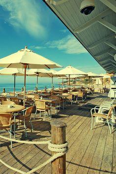 Wandel over de kilometerslange stranden van de Algarve! Natuurlijk kun je ook gewoon lekker gaan zonnen en helemaal bijkomen! De sfeervolle Portugese straatjes zijn heerlijk om doorheen te wandelen. Ga lekker shoppen of genieten op het terras! Het zonnetje schijnt in ieder geval lekker in je gezicht, dus je vakantie wordt helemaal top! https://ticketspy.nl/?p=126877