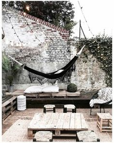 The wooden pergola is a good solution to add beauty to your garden. If you are not ready to spend thousands of dollars for building a cozy pergola then you may devise new strategies of trying out something different so that you can re Outdoor Spaces, Outdoor Living, Outdoor Decor, Outdoor Lounge, Outdoor Hammock, Rustic Outdoor, Exterior Design, Interior And Exterior, Balkon Design