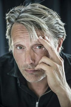 Mads your breathtakingly handsome!!