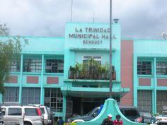 The bluish-painted municipal hall of La Trinidad.