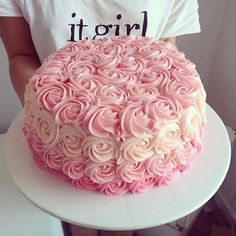 Cakes full of flowers that you deserve to have in your XV years - Torten Deko - Pastel de Tortilla Pretty Cakes, Beautiful Cakes, Decoration Evenementielle, Ombre Cake, Rose Cake, Occasion Cakes, Sweet Cakes, Cupcake Cookies, Baby Shower Cakes