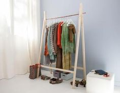 1000 ideas about portant vetement on pinterest wardrobe closet portant bois and industrial - Porte vetement en bois ...