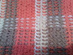 Didiblog: CROCHET PARTY, como siempre en este blog se encuentran tutorial geniales y en eta ocasión uno para tejer una manta a crochet llamada Tartan o también Burberry.
