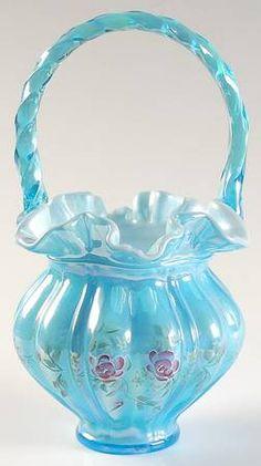 """*FENTON ART GLASS ~ Melon 9"""" Basket"""