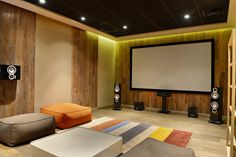 Top 70 Best Home Theater Seating Ideas - Movie Room Designs Home Cinema Room, Home Theater Setup, Best Home Theater, Home Theater Rooms, Home Theater Seating, Home Theater Design, Living Room Theaters, Small Home Theaters, Home Entertainment