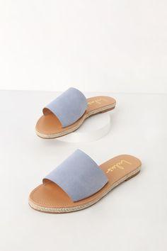 c2aec209e0 7 fantastiche immagini su Sandali blu | Heel boot, Heel boots e Heels