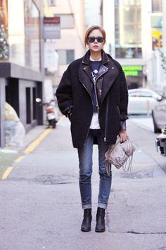 Womans Street Style , korea Seoul 2013 dec 10  #streetper #streetstyle #streetfashion #fashion #fashionstyle #seoul #korea #womenswear #womensfashion #fall #fallstyle
