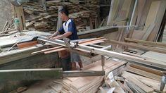 Proses pemotongan kayu