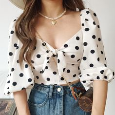Fall Fashion Outfits, Girl Fashion, Womens Fashion, Cute Casual Outfits, Pretty Outfits, Korean Fashion Trends, Blouse Styles, Aesthetic Clothes, Polka Dot Shorts