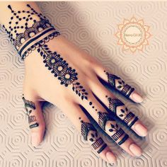 Explore latest Mehndi Designs images in 2019 on Happy Shappy. Mehendi design is also known as the heena design or henna patterns worldwide. We are here with the best mehndi designs images from worldwide. Mehndi Designs 2018, Mehndi Designs For Girls, Mehndi Designs For Beginners, Mehndi Designs For Fingers, Beautiful Henna Designs, Henna Tattoo Designs, Arabic Mehndi Designs, Mehandi Designs, Simple Henna Designs