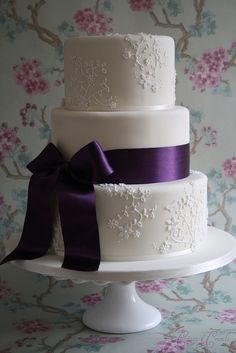 wedding cake  -purple