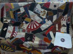 Quilts, pierres tombales, et Ancêtres Elusive