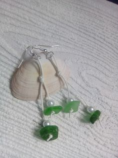 Green sea glass and pearls earrings Dragonfly Necklace, Sea Glass Necklace, Glass Earrings, Sea Glass Jewelry, Pearl Earrings, Turtle Earrings, Mermaid Pendant, Glass Butterfly, White Sea