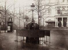 Urinarios públicos de París en 1876.