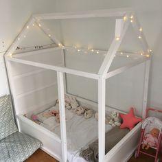 Le lit maison cabane de Zoé - IKEA Hack lit Kura