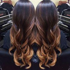 Karmelowy kolor włosów w najmodniejszym wydaniu - ombre, sombre, balayage i refleksy. Wypróbujcie karmel w ulubiony sposób.