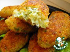 """Постные котлеты"""":      Специи (по вкусу )     Соль (по вкусу)     Сухари панировочные     Масло растительное (для жарки)     Зелень (у меня укроп) — 1/2 пуч.     Мука пшеничная — 0,5 стак.     Крупа манная — 0,5 стак.     Капуста белокочанная — 1 кг     Лук репчатый — 1 шт     Чеснок — 2 зуб. Baby Food Recipes, Chicken Recipes, Vegan Recipes, Cooking Recipes, Good Food, Yummy Food, Food Shows, Russian Recipes, I Foods"""
