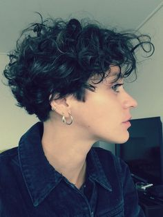 Risultati immagini per hairstyles for very short curly hair