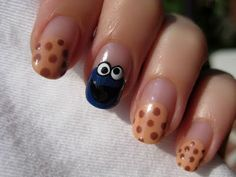 COOKIE MONSTER .. this person has the best nail ideas