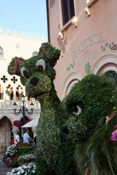 Lady & the Tramp @ Epcot...