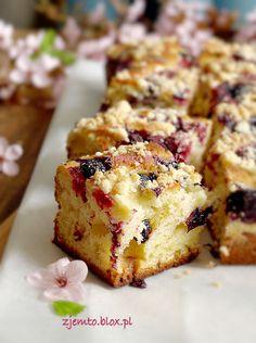 Ciasto, które samo się robi – Zjem to! Polish Desserts, Polish Recipes, Polish Food, Poke Cakes, Lava Cakes, Sweet Recipes, Cake Recipes, Dessert Recipes, Lithuanian Recipes