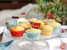 Le feste estive con le bandierine per decorare i cupcake birthday for kids ideas
