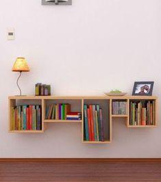 Libreria con scaffali