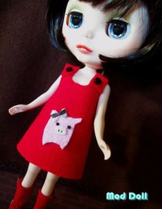 Felt dress 'Kawaii' piggy for Blythe