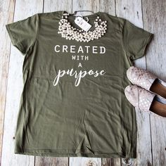 One of the popular ellyandgrace christian shirts- perfect gift! Popular combinations are the black shirt with gold glitter, or the dark heather grey shirt with Jesus Shirts, Christian Clothing, Christian Shirts, Christian Apparel, Look T Shirt, Shirt Embroidery, Vinyl Shirts, Christen, Diy Shirt