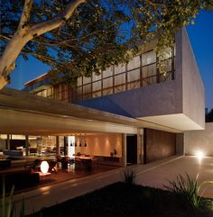 Modern Home in Brazil Displaying Unique Architecture Details: House 6 Facade Design, House Design, Studio Mk27, Living In Brazil, Open Concept Home, New Home Construction, Unique Architecture, Style At Home, Home Fashion