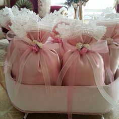 This post was discovered by lo Shabby Chic Party, Shabby Chic Crafts, Lavender Bags, Lavender Sachets, Wedding Favours, Wedding Gifts, Baptism Favors, Sachet Bags, Gift Wraping