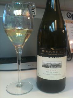 Mission Hill Winery. Reserve Pinot Gris 2009