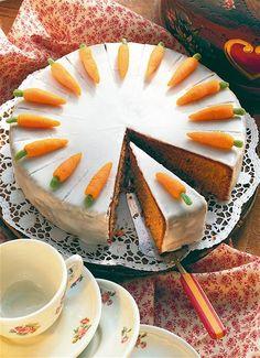 Zpaleolizovat Švýcarský karotkový dort New Recipes, Cooking Recipes, Cupcakes, Eat Smarter, Carrot Cake, Fine Dining, Carrots, Pie, Cheese