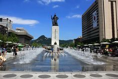 Gwanghwamun Square is located at the center of Sejong-ro which connects Gwanghwamun Gate and Cheonggye Square. The redesigned Gwanghwamun Square opened to the public on August 1, 2009. This square harmonizes with the beauty of Gyeongbok Palace and Bukak.
