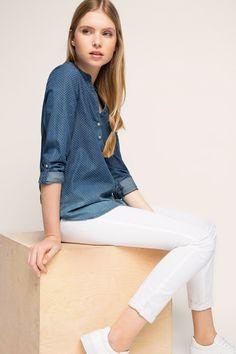 #Coole dunkelblaue #Bluse mit kleinen Punkten und Farbverlauf von #Esprit. ♥ ab 49,99 €