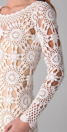 crochelinhasagulhas: Vestido branco e blusa amarela em rosetas de crochê
