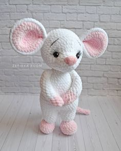 Crochet amigurumi 621637554800852491 - 62 ideas crochet toys animals crafts Source by duflotolympe Crochet Mouse, Crochet Bunny, Cute Crochet, Crochet Crafts, Crochet Dolls, Crochet Projects, Crochet Dragon, Crochet Ideas, Crochet Amigurumi Free Patterns