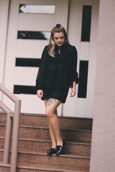 look all black, transparencia, look blogueira, look do dia, outfit of the day, ootd, mocassim, saia preta, transparency, blogueira de moda, moda rio grande do sul, inspiração, look balada, casual, comfy, chique