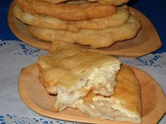 Sauces, Apples And Cheese, Romanian Food, Bake Sale, Sweet Cakes, Pain, Apple Pie, Pizza, Cooking Recipes