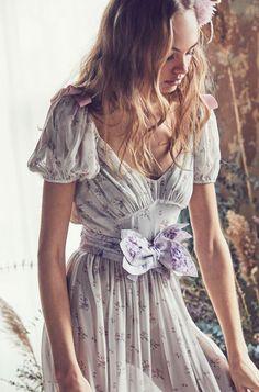 Loveshackfancy High Noon Silk Belt - Powder O/S Boho Fashion, Fashion Dresses, Vintage Fashion, Fashion Tips, Fashion Design, Fashion 2017, Fashion Women, Fashion Ideas, Bohemian Style