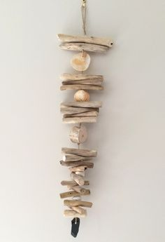 Bois flotte on pinterest driftwood lamp drift wood and driftwood wreath - Guirlande bois flotte ...