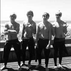 13 Shirtless Pics of Ross Lynch! | Twist