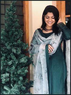 Aparna Balamurali in shemy outfit Long Dress Design, Dress Neck Designs, Designs For Dresses, Salwar Designs, Kurta Designs Women, Kurti Designs Party Wear, Indian Designer Outfits, Designer Dresses, Designer Wear