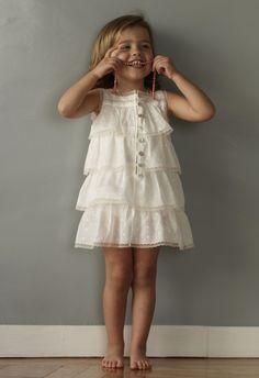 No sin Valentina: Enagua de Volantes de No sin Valentina, modelo elegido por Adriana Abascal para las niñas de su boda.