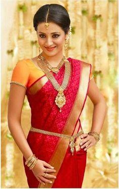 Pothys Sarees are one of the Gorgeous south India sarees. This site consists of pothys designer sarees, silk sarees, wedding sarees and many others. South Indian Wedding Saree, South Indian Sarees, South Indian Bride, Saree Wedding, Indian Bridal, Indian Weddings, Tamil Wedding, Bridal Sari, Saris