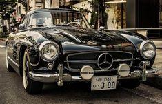 Trending on Pinterest: This vintage @MercedesBenz. http://pin.it/TU5llTL