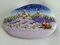 Hand-Painted-Flat-Stone-Rock-Broche-Pin-Santas-Sleigh-Reindeer-Christmas
